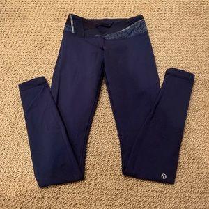 Lululemon wunder under REVERSIBLE navy leggings